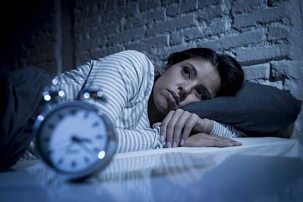 Шум и крики у соседей мешают спать