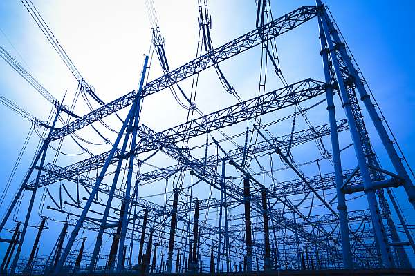 Провода на электростанции